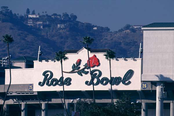 rose-bowl-stadium-sign-illinois-fighting-illini.jpg