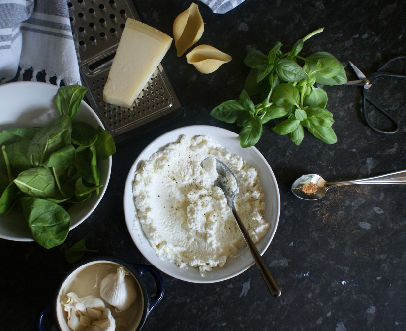 Filling ingredients: ricotta, basil, spinach and parmesan