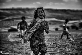 Bedouin children in Wahiba Sands, Al Sharqiya, black and white, Oman
