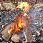 Männerkreis • Männerfeuer Männer sitzen am Feuer – Trommeln – Reden – Schweigen miteinander, angeleitete Männerrunde mit oder ohne Themen