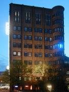 """impuls lichtbuchstabe """"m"""", capitolhochhaus"""