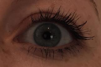 Augen geschminkt