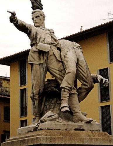 463px-Firenze-statua11