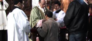 Mesas da comunhão na catedral de Lima