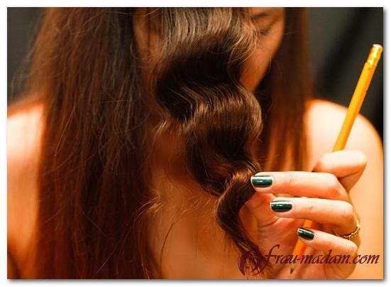 Hogyan készítsünk hullámos hajat egy ceruzával