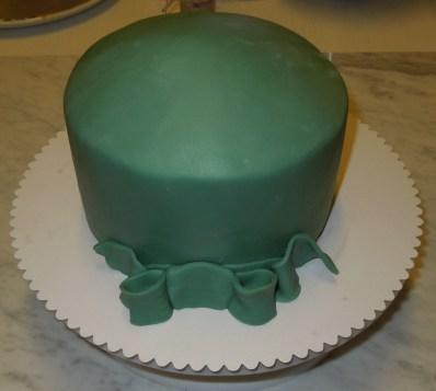 Brownie Torte mit Fondantüberzug - OP Haube