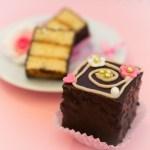 petit fours, mini Kuchen, cake, Dominosteine selber machen