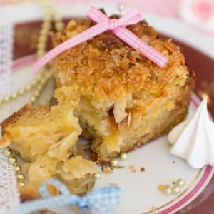 Lockerer saftiger Apfelkuchen mit Natron, Mandeln und Vanille