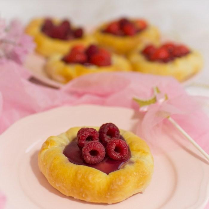 Puddingteilchen selber machen, Puddingteilchen mit Früchten, Gebäck mit Früchten, Gebäck mit Obst, Puddingteilchen mit Erdbeeren selber machen