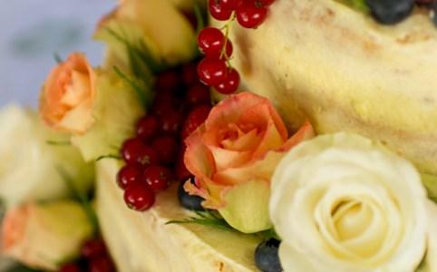Anleitung Schritt-für-Schritt die eigene Hochzeitstorte selber machen | naked cake