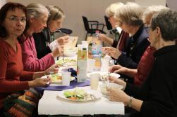 Gemeinsames Essen u. Gespräche