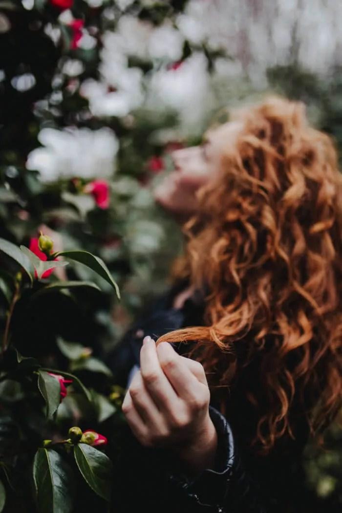 Erste Blüten bei einem entspannten Porträtshooting im März im Botanischen Garten