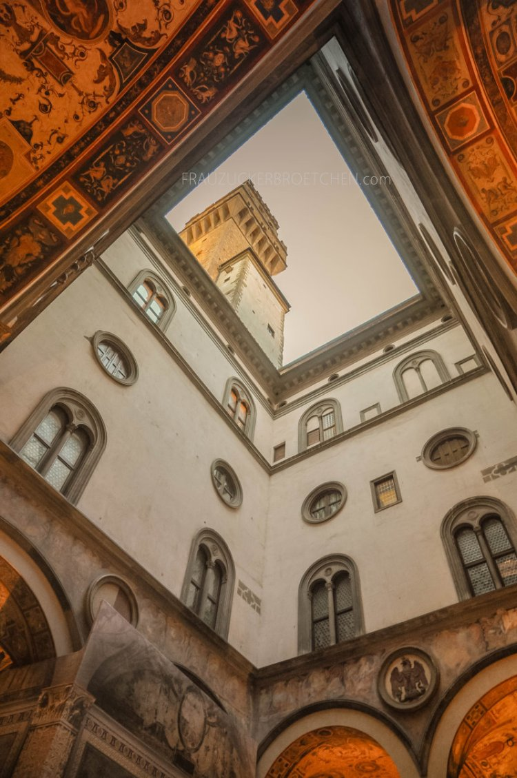Florenz_palazzo vecchio_frauzuckerbroetchen14.jpg