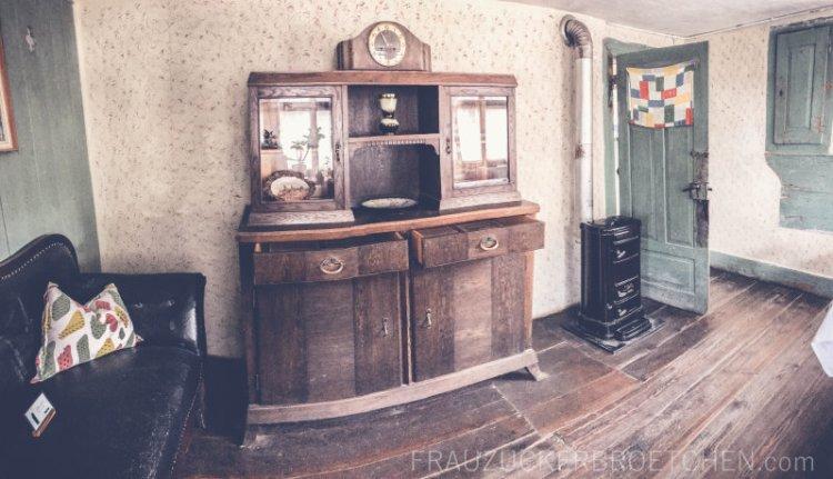 freilichtmuseum_beuren_tagelöhnerhaus_weidenstätten2_frauzuckerbroetchen