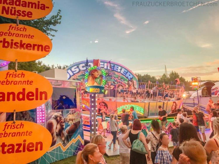 Mein_Juli_in_Bildern_voksfest_deizisau_frauZuckerbroetchen