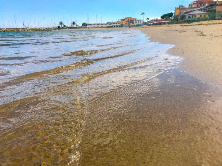 Am Badestrand von Sanremo