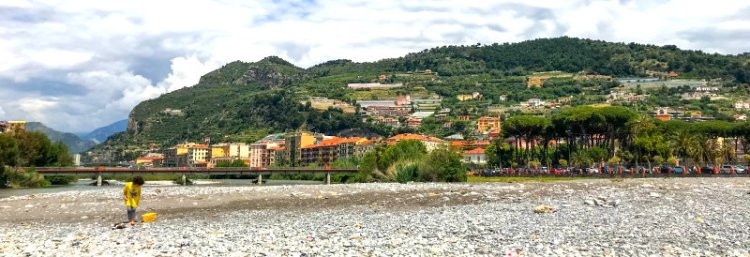 An der Flussmündung Roya in Ventimiglia Italien.jpg