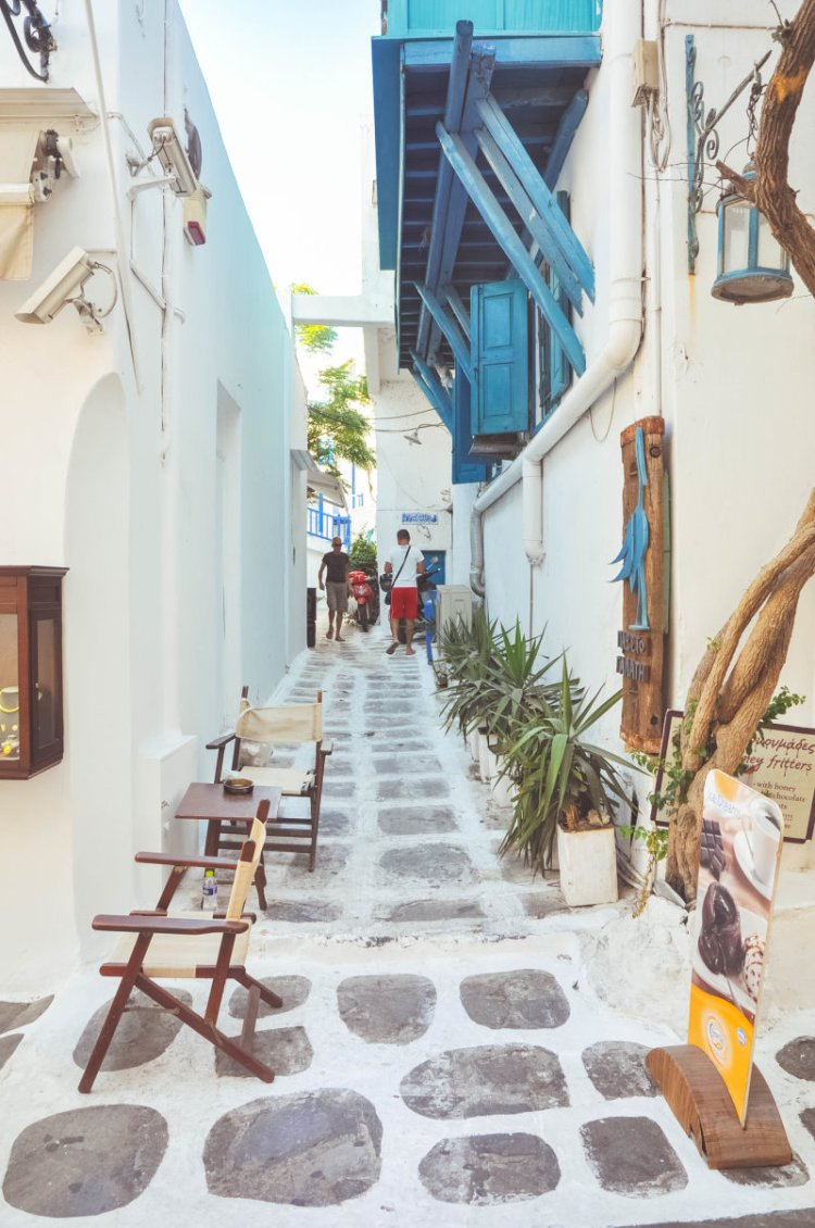 Durch die hübschen Gassen von Mykonos schlendern
