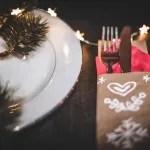 {DIY} Last Minute Tischdeko // Weihnachtliche Bestecktaschen aus Packpapier
