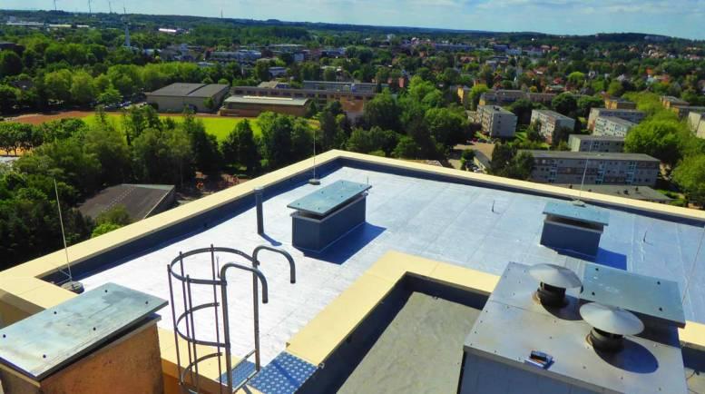 Projekte, Flachdach, Hochhaus in Buxtehude, frb, Dachdecker, Dach und Bau