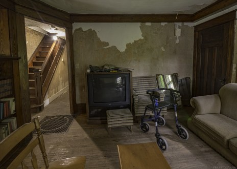 ontario abandoned time capsule house