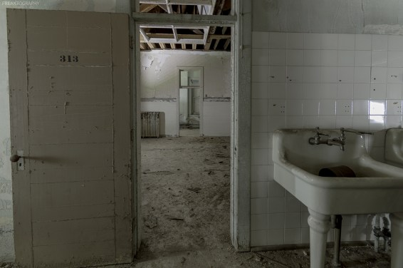 """Inside the operating room in an abandoned Asylum for the Insane. It was believed at the time that a woman could be cured of her mental ailments by gynaecological surgeries. Doctors performed over 200 surgeries on women in hopes of """"curing"""" their insanity."""