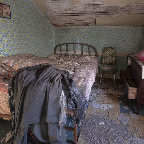 Freaktography, abandoned, abandoned house bedroom, abandoned photography, abandoned places, bed, bedroom, creepy, decay, derelict, dresser, haunted, haunted places, photography, urban exploration, urban exploration photography, urban explorer, urban exploring