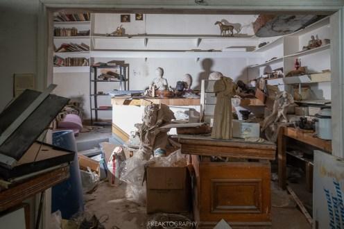 abandoned sculpture artists house