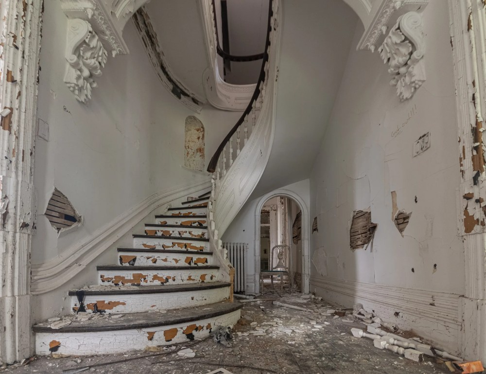 Abandoned 1900's Victorian Mansion in Prescott Ontario
