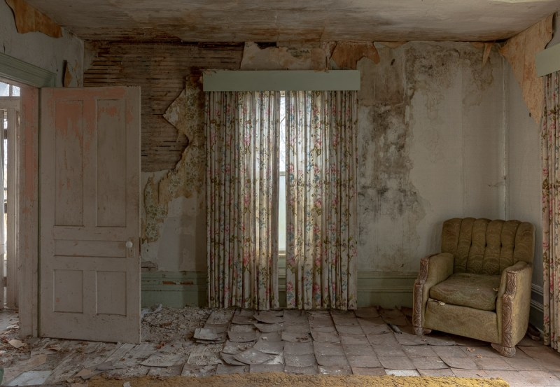 classic abandoned farmhouse photography