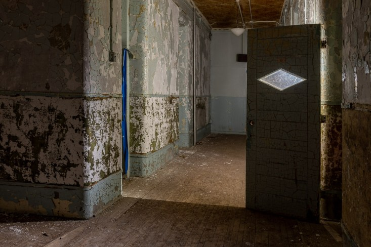 london insane asylum urban exploration photography