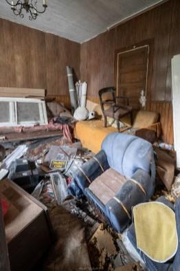 abandoned ontario crooked farmhouse