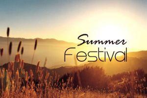 Καλοκαιρινά φεστιβάλ υπάρχουν! Αν δεν ψήνεται η μουρόχαυλη  η παρέα σου, μην σκας, τράβα μον@ σου! Δες που