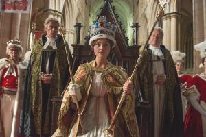 """Τέσσερις σειρές εποχής για """"βασιλικές"""" βραδιές"""