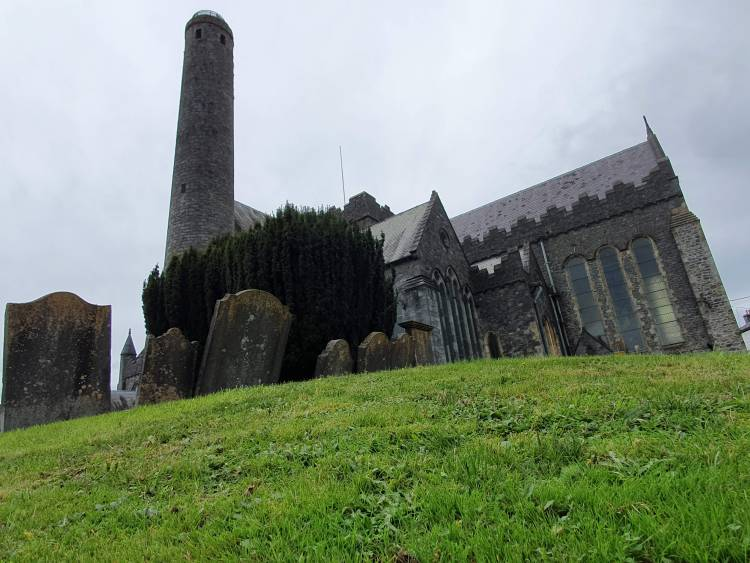 St. Canice's Cathedral and round tower in Kilkenny, Ireland