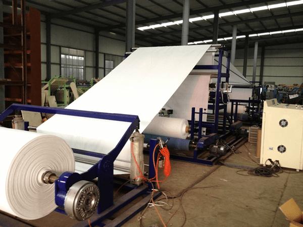 FD RUW–2200 機台01 Big Bag 04.Reel to Reel Ultrasonic cutting for big bag fabric