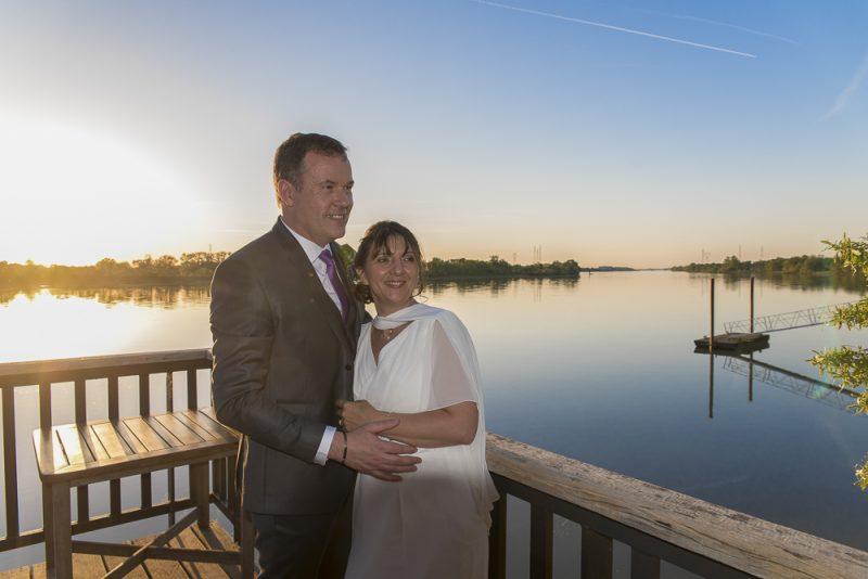 reportage mariage romantique sur les bords de Garonne Bordeaux