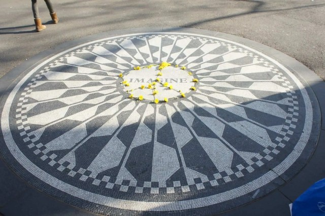 John Lennon Memorial Central Park. Imagine - New York in a day