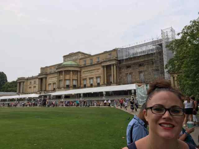 Gardens at Buckingham Palace #gardens #palace #london