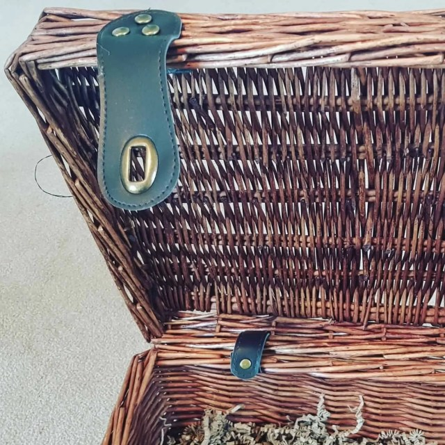 Prestige Hamper - Wicker Picnic Basket leather straps
