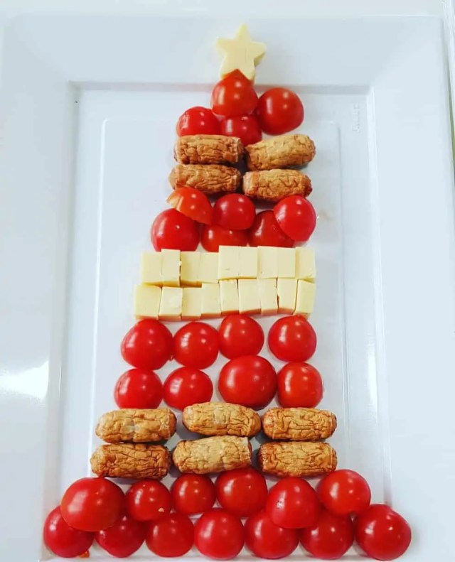 Savoury Christmas Tree Platter #christmasfood #christmasparty #northpolebreakfast