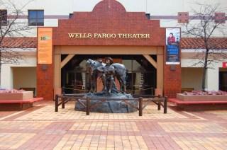 Wells Fargo Theater, juste à côté du musée