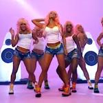 "Nicki Minaj Release ""SuperBass"" Video"