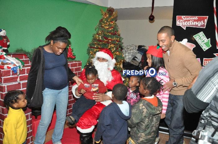 Ludacris Christmas.Ludacris And Jonas Jennings Do Coats For Christmas In