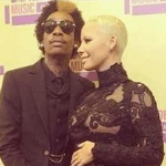 Confirmed : Amber Rose & Wiz Khalifa Announce AT VMA's She's Pregnant!!