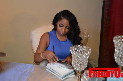 toya-wright-atlanta-how-to-lose-a-husband-book-signing-freddyo-103