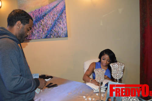 toya-wright-atlanta-how-to-lose-a-husband-book-signing-freddyo-104