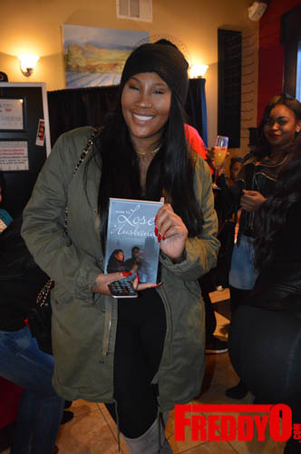 toya-wright-atlanta-how-to-lose-a-husband-book-signing-freddyo-148