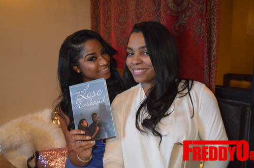 toya-wright-atlanta-how-to-lose-a-husband-book-signing-freddyo-236