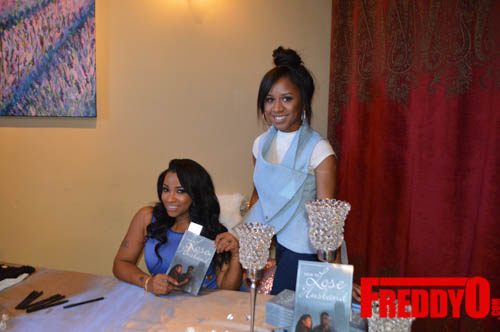 toya-wright-atlanta-how-to-lose-a-husband-book-signing-freddyo-78